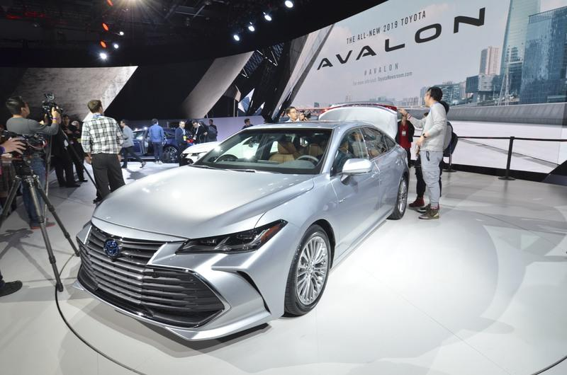 Toyota Takes High-Tech Approach With New Avalon Hybrid Exterior - image 759137