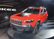 Updated Jeep Cherokee Goes Softer In The Styling Department - image 759132