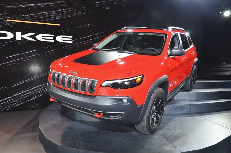 Updated Jeep Cherokee Gets 2.0-liter Turbo from the Wrangler