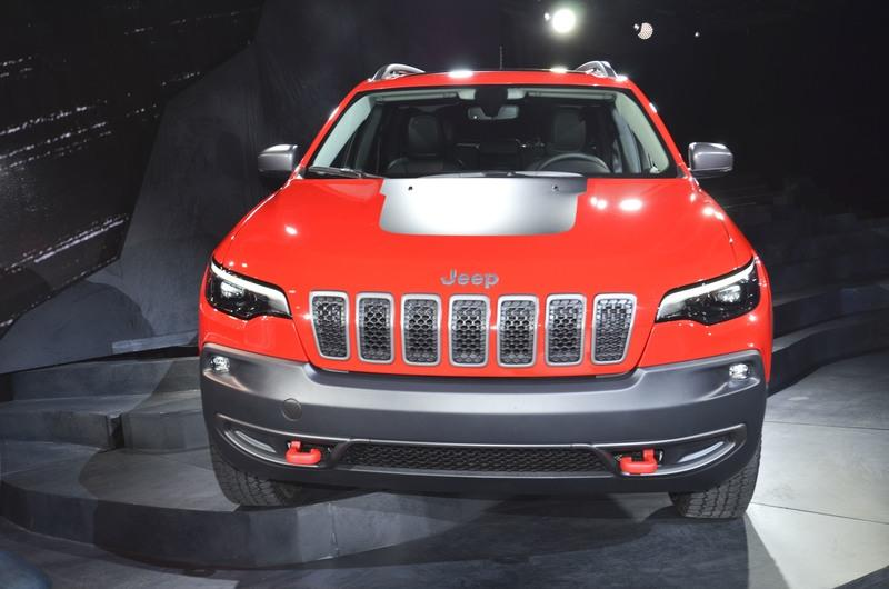 Updated Jeep Cherokee Goes Softer In The Styling Department Exterior - image 759133