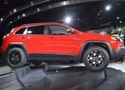 Updated Jeep Cherokee Goes Softer In The Styling Department - image 759135