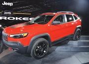 Updated Jeep Cherokee Goes Softer In The Styling Department - image 759136