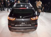 Updated Jeep Cherokee Goes Softer In The Styling Department - image 759126