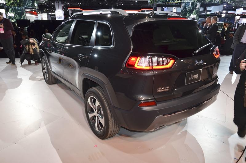 Updated Jeep Cherokee Goes Softer In The Styling Department Exterior - image 759127