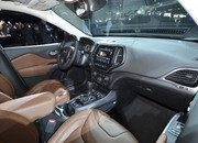 Updated Jeep Cherokee Goes Softer In The Styling Department - image 759128