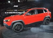 Updated Jeep Cherokee Goes Softer In The Styling Department - image 759130