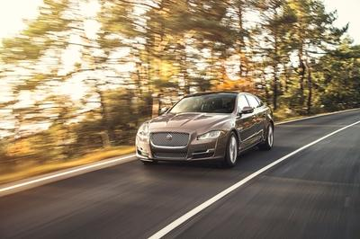 Watch Out Tesla - the Jaguar XJ Will Go All-Electric in 2019! - image 762721