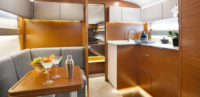 2018 Bavaria S36 Interior High Resolution - image 766378