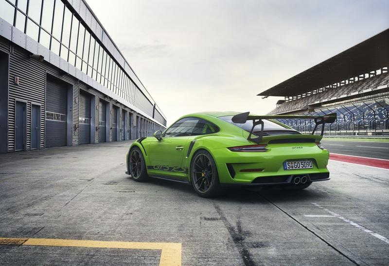 Porsche's Weissach Package for the 911 GT3 RS is a Carbon-Fiber Recipe for Aggression