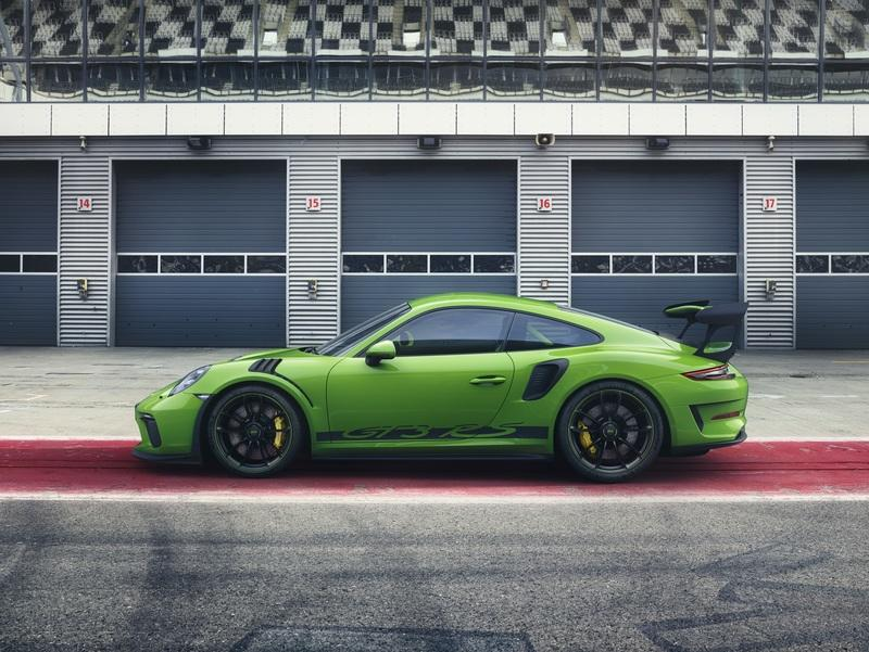 Wallpaper of the Day: 2018 Porsche 911 GT3 RS