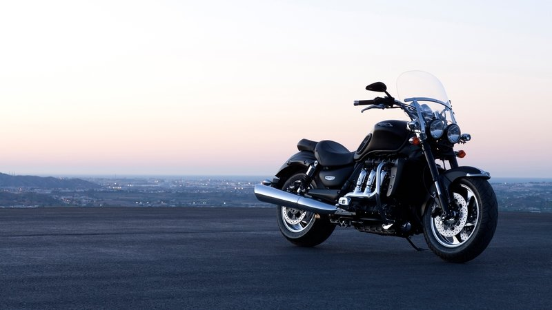 2015 - 2018 Triumph Rocket III Roadster