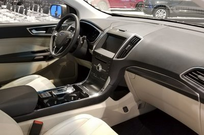 The 2019 Ford Edge Gets Gussied-Up Titanium Elite Trim in Chicago - image 766222