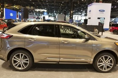 The 2019 Ford Edge Gets Gussied-Up Titanium Elite Trim in Chicago - image 766218