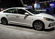 Hyundai Sonata Hybrid Gets More Power, Better Mileage in Chicago - image 766157