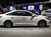 Hyundai Sonata Hybrid Gets More Power, Better Mileage in Chicago - image 766158