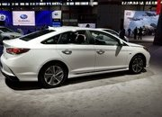 Hyundai Sonata Hybrid Gets More Power, Better Mileage in Chicago - image 766159