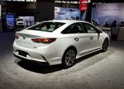 Hyundai Sonata Hybrid Gets More Power, Better Mileage in Chicago - image 766160