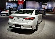 Hyundai Sonata Hybrid Gets More Power, Better Mileage in Chicago - image 766161