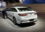 Hyundai Sonata Hybrid Gets More Power, Better Mileage in Chicago - image 766163