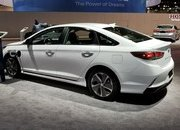 Hyundai Sonata Hybrid Gets More Power, Better Mileage in Chicago - image 766164