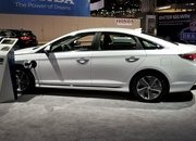 Hyundai Sonata Hybrid Gets More Power, Better Mileage in Chicago - image 766165