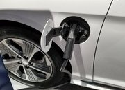 Hyundai Sonata Hybrid Gets More Power, Better Mileage in Chicago - image 766167