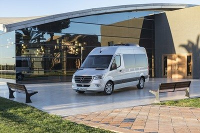 2018 Mercedes-Benz Sprinter - image 765620