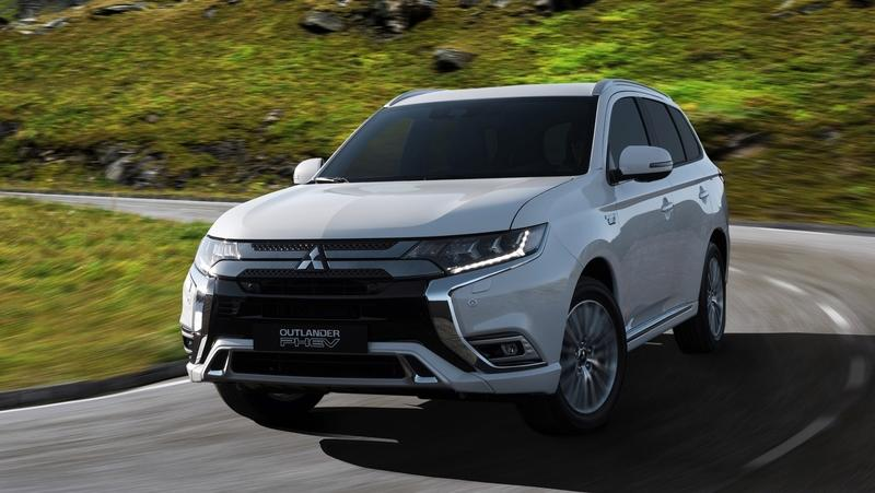 Mitsubishi to Showcase New Outlander PHEV in Geneva with Better Tech, Revised Looks