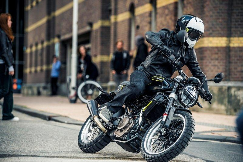Motorcycle Reviews Specs Prices Photos And Videos Top