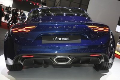 The Alpine A110 Range Gets a Little More Diversity with the Pure and Légende Trim Levels - image 772741