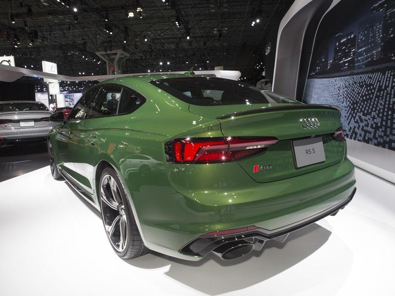 Audi RS 5 Sportback: Making Things Look Bleak for the BMW 6 Series and Mercedes CLS