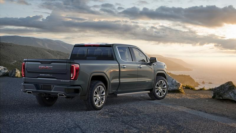 GMC Changed the Game with the 2019 Sierra's Bed and Tailgate!