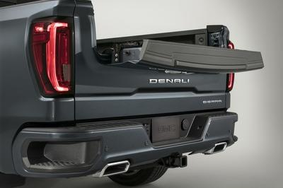 GMC Debuts The 2019 Sierra, Goes Upscale And High-Tech - image 771299