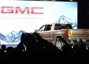 GMC Debuts The 2019 Sierra, Goes Upscale And High-Tech - image 771324