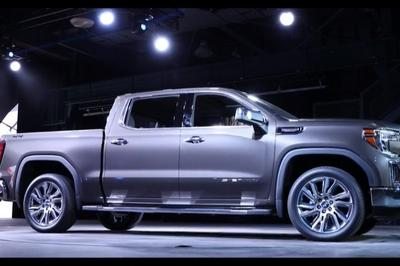 GMC Debuts The 2019 Sierra, Goes Upscale And High-Tech - image 771333