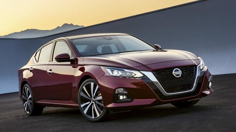 If you Want a Stylish Midsize Sedan, Skip the Camry or Accord and Go with the 2019 Nissan Altima