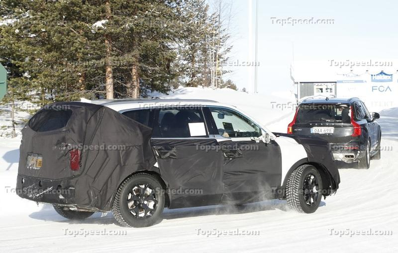 Someone Caught the Kia Telluride Uncovered and it Looks Nothing Like the Concept