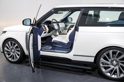 Land Rover Aims to Take on the Bentley Bentayga with a Two-Door Range Rover - image 772251