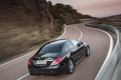 2019 Mercedes-AMG C43 Debuts In Geneva, And It's A Classic Mercedes Refresh - image 771567