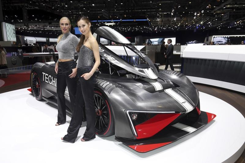 Radical Techrules Ren RS Storms into Geneva with Almost 1,300 HP Exterior - image 772843