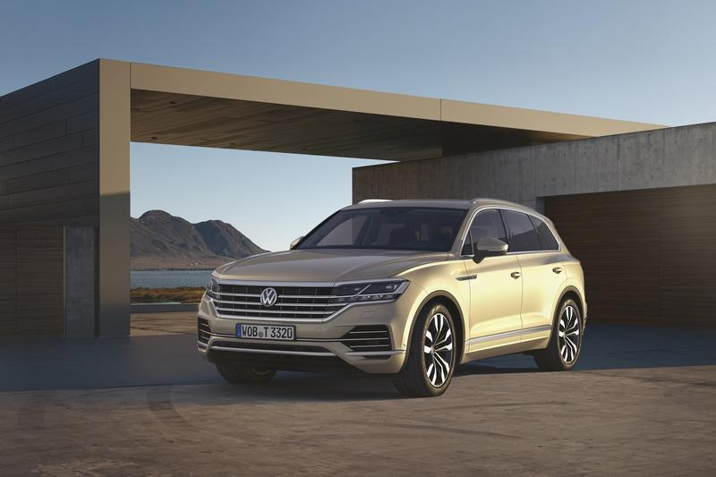 The Volkswagen Touareg is Here, and It Puts the BMW X5 and Mercedes GLE to Shame Exterior Wallpaper quality - image 774924