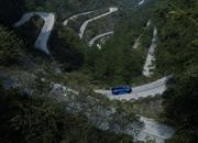 Video of the Day: Did the Range Rover Sport Just Take the Tianmen Road Record from the Ferarri 458 Italia? - image 773754