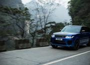 Video of the Day: Did the Range Rover Sport Just Take the Tianmen Road Record from the Ferarri 458 Italia? - image 773759
