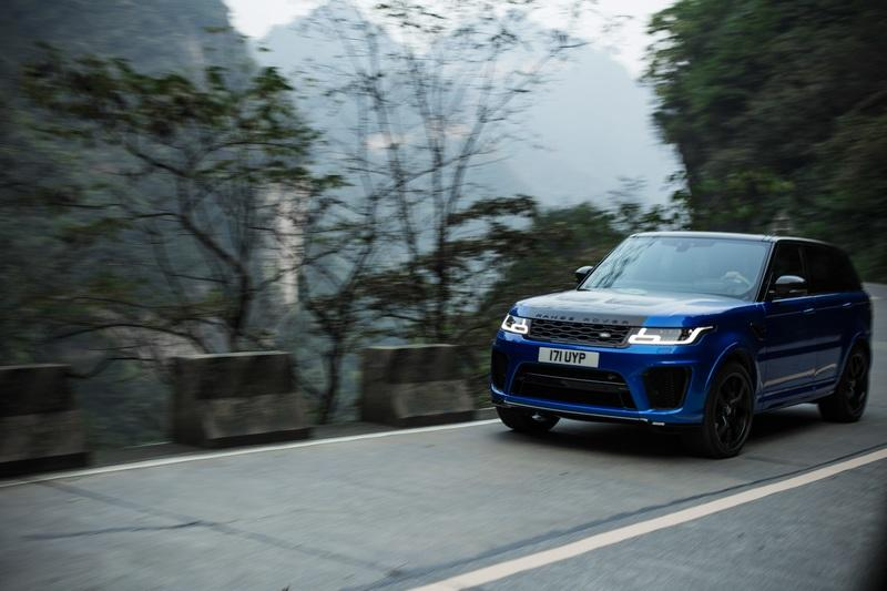 Video of the Day: Did the Range Rover Sport Just Take the Tianmen Road Record from the Ferarri 458 Italia?