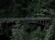 Video of the Day: Did the Range Rover Sport Just Take the Tianmen Road Record from the Ferarri 458 Italia? - image 773743