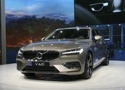 Volvo Unveiled the V60 as the BMW 3-Series Touring, Mercedes C-Class Wagon, and Audi A4 Avant Trembled with Fear - image 772802