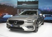 Volvo Unveiled the V60 as the BMW 3-Series Touring, Mercedes C-Class Wagon, and Audi A4 Avant Trembled with Fear - image 772793