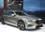Volvo Unveiled the V60 as the BMW 3-Series Touring, Mercedes C-Class Wagon, and Audi A4 Avant Trembled with Fear - image 772795