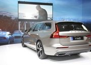 Volvo Unveiled the V60 as the BMW 3-Series Touring, Mercedes C-Class Wagon, and Audi A4 Avant Trembled with Fear - image 772800