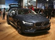 Volvo Unveiled the V60 as the BMW 3-Series Touring, Mercedes C-Class Wagon, and Audi A4 Avant Trembled with Fear - image 772792